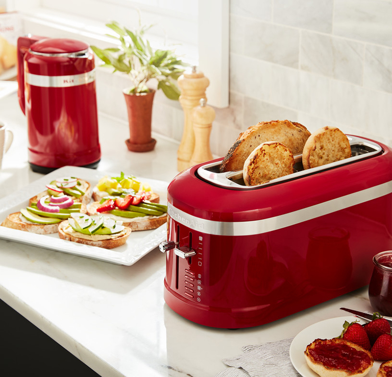 Red toaster long slot 4 slice - Design with red kettle and vegetable toasts