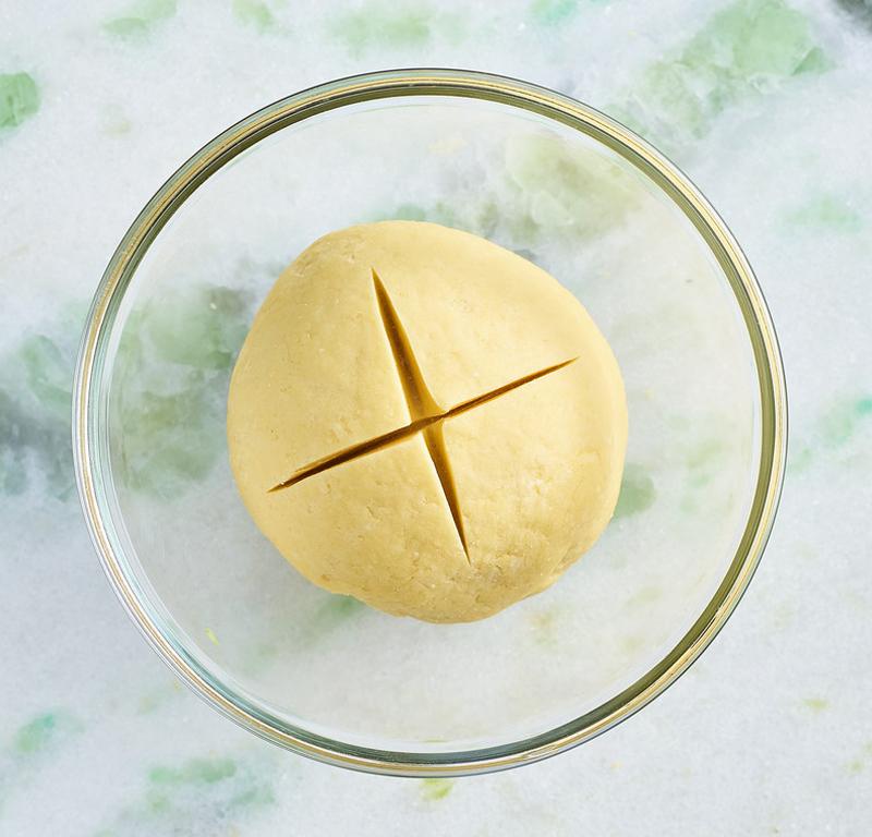 Dough in a glass dish