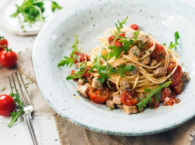 Spaghetti with rucola and cherrie tomatoes