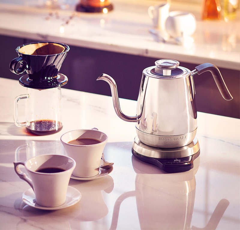 Kettle with digital precision - Artisan and cup of coffee