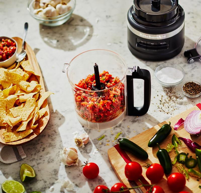 Creating salsa sauce in black food processor