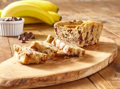 Slice of cake and bananas