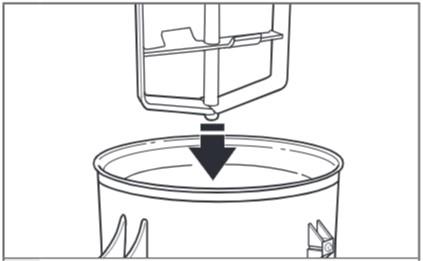 So befestigen Sie die Eismaschine an der Küchenmaschine mit kippbarem Motorkopf Schritt 3