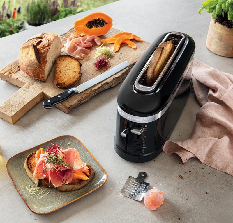 Black toaster long slot 2 slice - Design