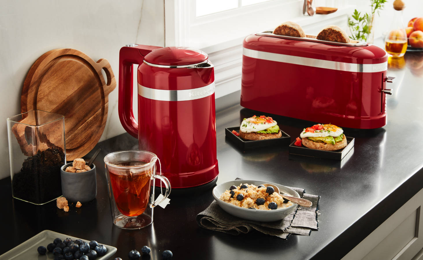 Complete-the-look-with-the-matching-kettle