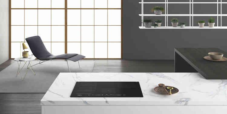 Cocina intuitiva con nuestra gama de placas Whirlpool