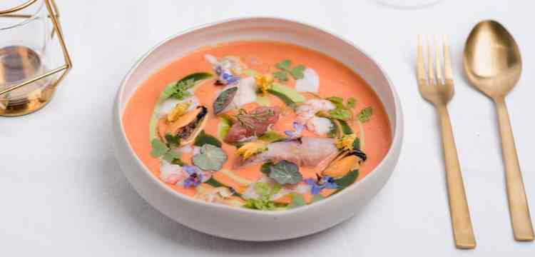 Nowoczesna zupa rybna
