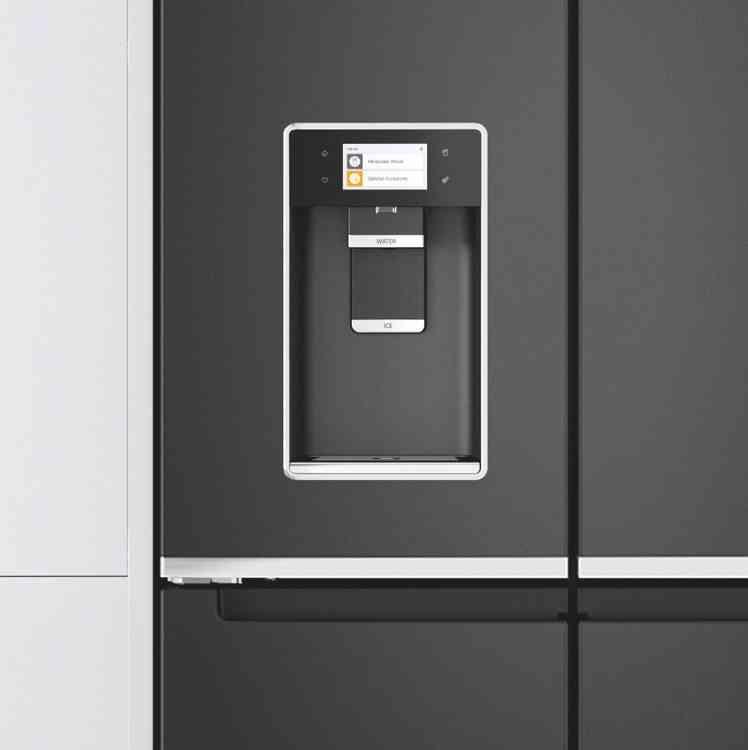 Design élégant du réfrigérateur-congélateur 4 portes